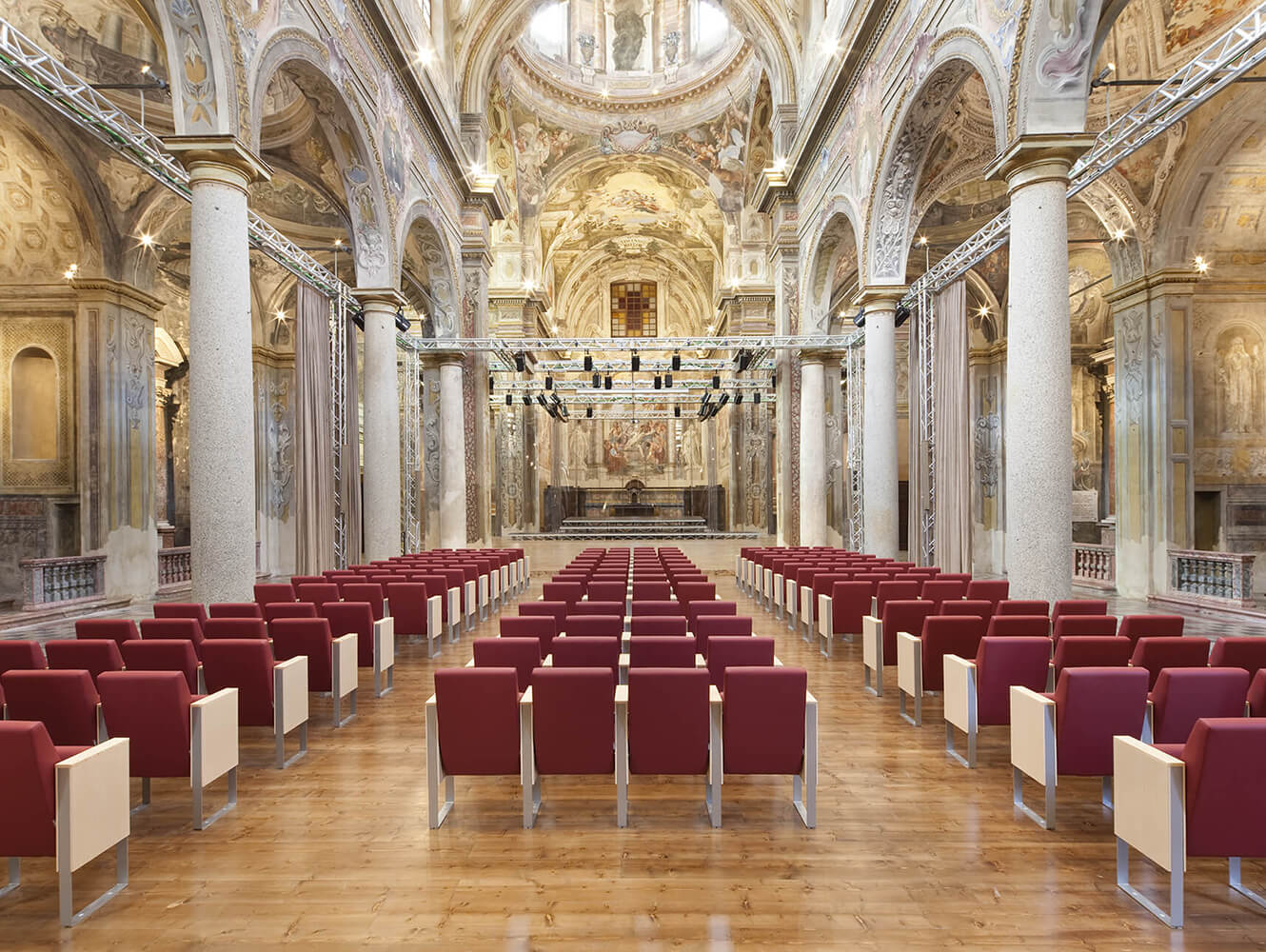 Auditorium San Vincenzo-Piacenza - C100 Armchair by LAMM
