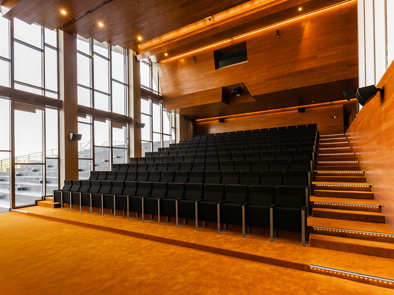 Al Zorah Pavillon - C100 by LAMM