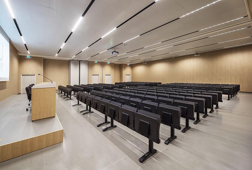 Humanitas University Campus - E4000 study bench by LAMM
