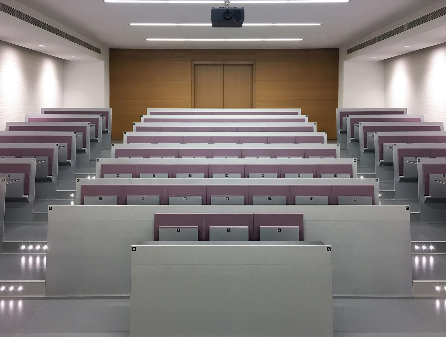 qatar-university-blade-study-bench