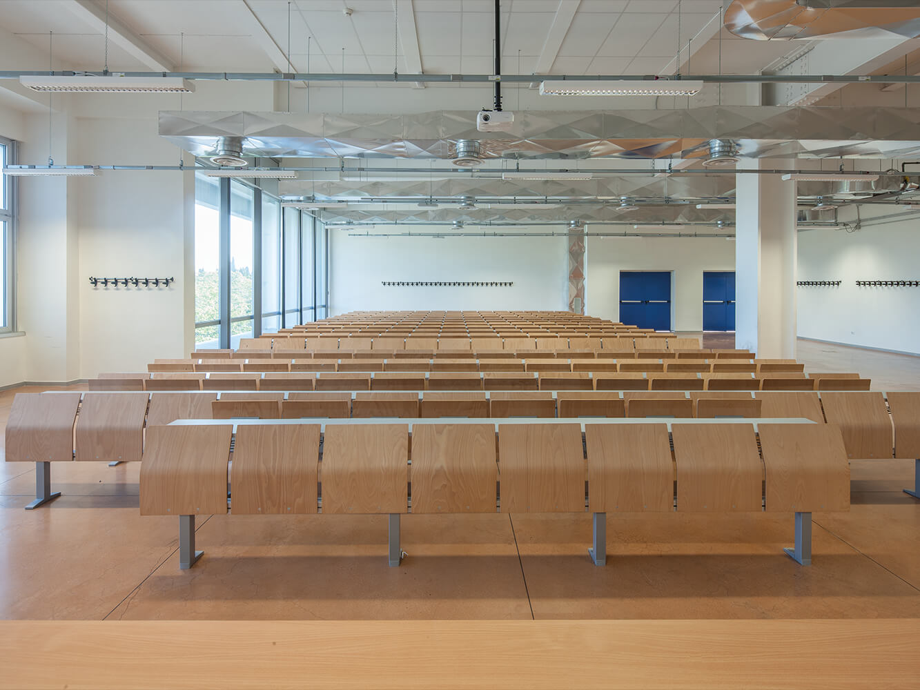 Sapienza University - E4000 study bench by LAMM