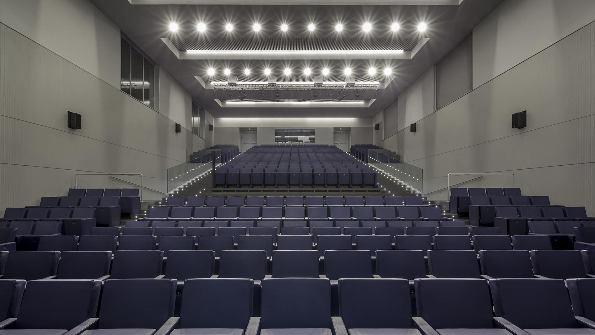 Wanda Metropolitano Stadium - F50 armchair by LAMM